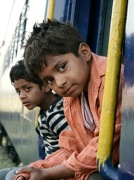 Boys on train in slumdog millionaire dvd
