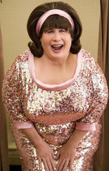 Travolta_drag_hairspray_dvd_image