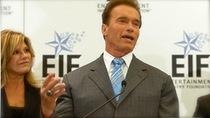 Schwarzenegger_smoking_dvds